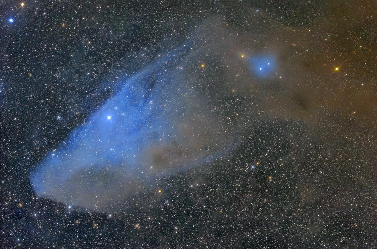 IC4592 青い馬星雲